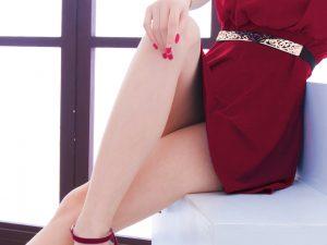 女性のセクシーな脚線
